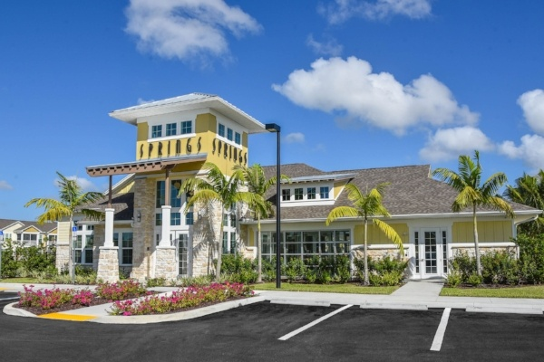 Clubhouse Exterior 1-624459-edited.jpg