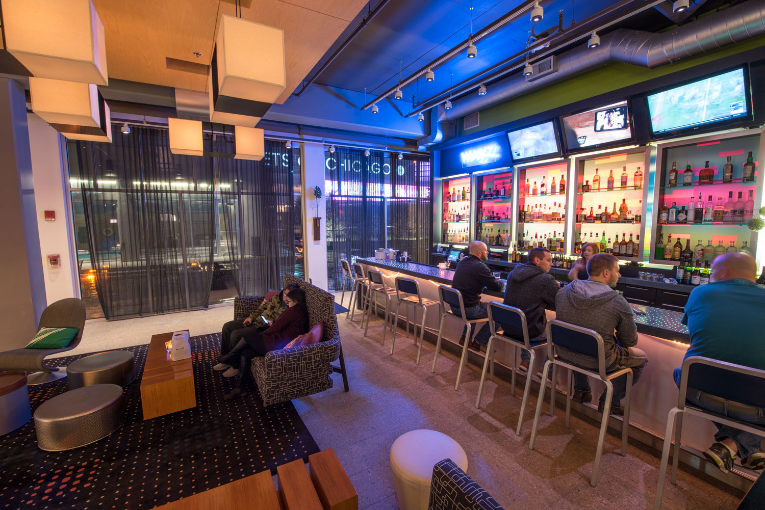 Aloft Chicago O'Hare WXYZ Bar